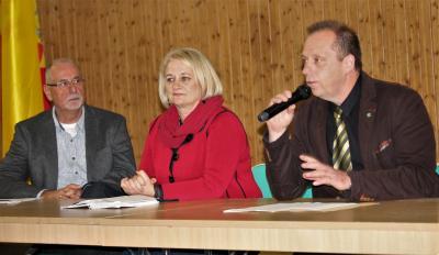 Foto zu Meldung: Bürgermeister steht Malchinern Rede und Antwort