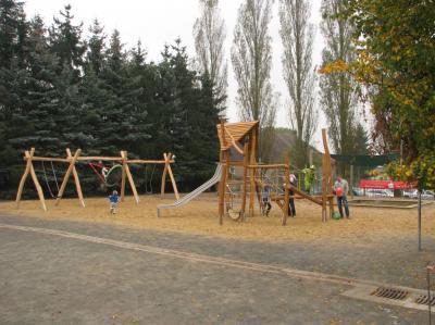 Neuer Spielplatz der Grundschule Bregenstedt.