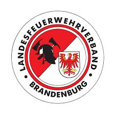 """Foto zu Meldung: Arbeitsergebnisse der AG """"Feuerwehrbekleidung und Dienstgradabzeichen"""""""