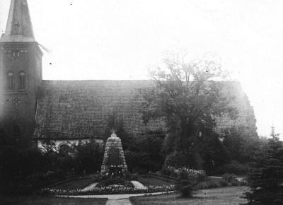 Foto zur Meldung: Vor 95 Jahren: Ein Denkmal für die Gefallenen des Kirchspiels
