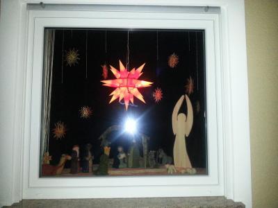 Vorschaubild zur Meldung: Die Adventsfenster werden wieder geöffnet