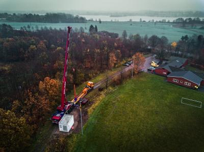 Der PoP schwebt ein; Quelle: Zweckverband Breitbandversorgung, Daniel Schön