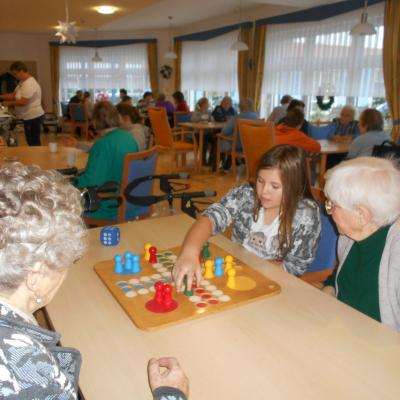 Foto zur Meldung: Spielevormittag der Generationen in der AWO