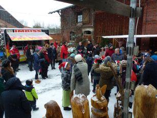 Foto zur Meldung: 3.12.17 Nikolausmarkt Generationenhof in Oberlengsfeld