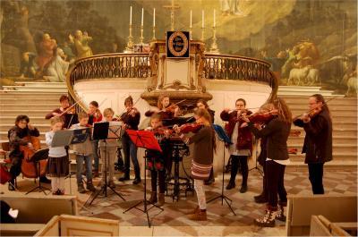 Foto zu Meldung: Weihnachtliche Klänge erfüllen die Stadtkirche