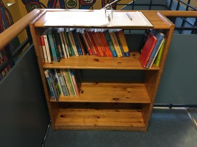 Foto zu Meldung: Eröffnung der eigenen Schulbücherei