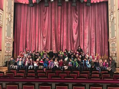 Foto zur Meldung: Theaterfahrt der Klassen 1/2 nach Amberg: Peterchens Mondfahrt