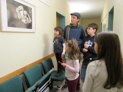Foto zur Meldung: Ausstellung der Mittwochsmaler der Kreisvolkshochschule PM in der Amtsverwaltung Brück