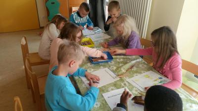 """Foto zur Meldung: Kooperation Kiga-GS: Aktion """"Mein schönstes Weihnachtsbild"""""""