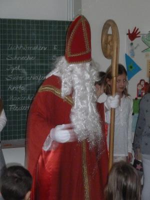 Vorschaubild zur Meldung: Der Nikolaus war in der Schule Altenburgblick