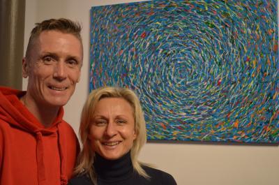 Das Hobbykünstler-Duo Rosita Lipinsky und René Jentzsch stellt bis Ende Januar im Stadtbad aus.