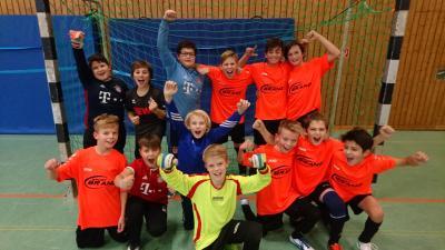 Nach dem furiosen Finale jubelte die Mannschaft mit den kleinsten Spielern des Turniers über ihren unerwarteten Gesamtsieg