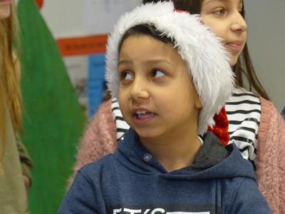 Vorschaubild zur Meldung: Weihnachtsfeier der Klassen U, UH und H1