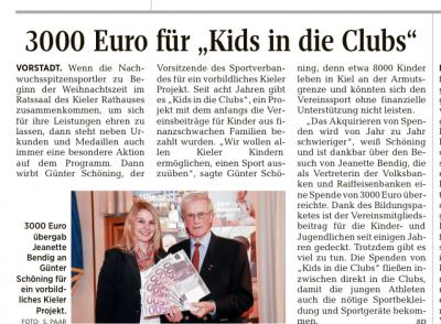 Übergabe eines Schecks in Höhe von 3.000,00 € durch die Kieler Volksbank für das Projekt Kids in die Clubs