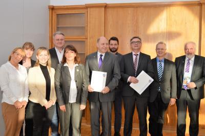 Zur Maerker-Familie gehören Rathenow, Premnitz, Nauen, Ketzin/Havel, Wustermark, Dallgow-Döberitz - und nun der Landkreis und die Havelbus Verkehrsgesellschaft.