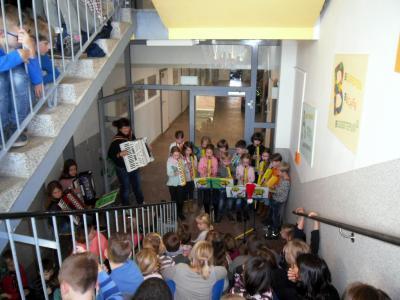 Foto zur Meldung: Theaterbesuch und 1. Treppensingen