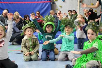 Vorschaubild zur Meldung: Haus der Kinder - Weihnachtssingspiel - Fotos