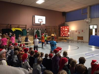 Foto zur Meldung: Weihnachtliche Morgenfeier