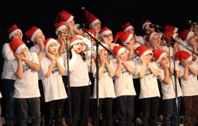 Foto zur Meldung: Volles Haus beim Weihnachtskonzert