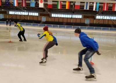 Foto zu Meldung: LLG-Speedskater auf dem Eis und hoch über Berlin