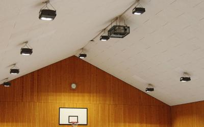 Die neue Lichtanlage ist installiert