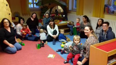 Vorschaubild zur Meldung: Am 5. Januar hat die Freitags-Krabbelgruppe unter Leitung von Anja Breul angefangen.