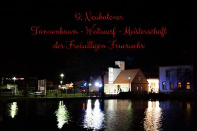 Foto zur Meldung: 9. Neukalener Tannenbaum - Weitwurf – Meisterschaft
