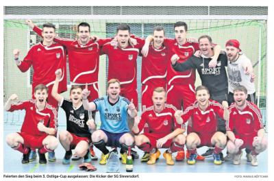 Team der SG Sieversdorf nach dem Sieg (Quelle: MAZ Kyritzer Tageblatt vom 15.01.2018)