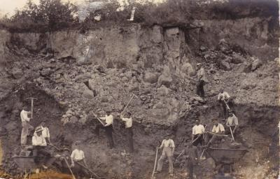 Foto zur Meldung: Vor 125 Jahren - Verschüttet in der Tarbeker Mergelgrube