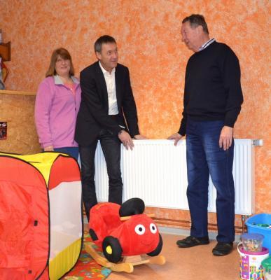 Vorschaubild zur Meldung: Im Drochower Vereinsheim wird nun das Spielzeug nicht mehr kalt