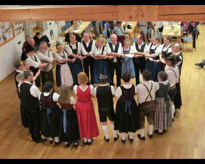 """Vorschaubild zur Meldung: Vom """"Luada"""" bis """"Deife, du dürrer"""" - Volkstanz in Iglbach"""