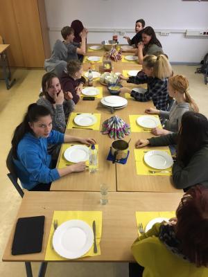 Vorschaubild zur Meldung: Kochen und Deutschunterricht???