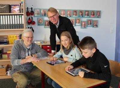 Foto zur Meldung: Mit neuen iPads in die Zukunft