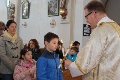 Vorschaubild zur Meldung: Pfarreiengemeinschaft feiert Maria Lichtmesse mit Blasiussegen