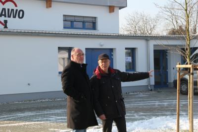 Vorschaubild zur Meldung: Bürgermeister Hans-Ulrich Hengst informiert sich bei AWO und Format gGmbH nach dem Umzug der Geschäftsstelle