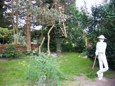 Foto zu Meldung: Rosenfreunde feiern mit: 10 Jahre Offene Gärten in der Prignitz