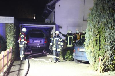 Vorschaubild zur Meldung: Wohnhaus nach Küchenbrand beschädigt - Zwei Wehren im Einsatz