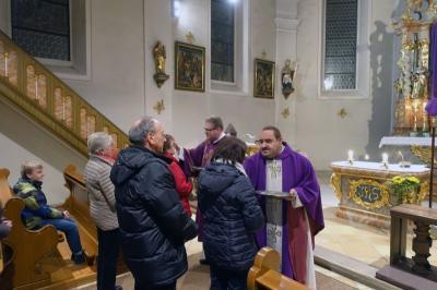 Foto zur Meldung: Aschenauflegung zu Beginn der Fastenzeit in St. Georg