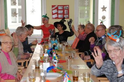 Vorschaubild zur Meldung: Kappenfest in der AWO Tagespflege in Perleberg