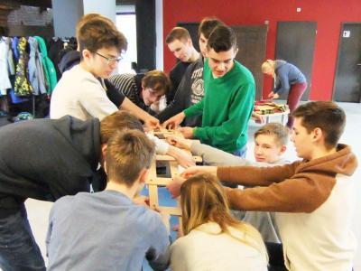 """Vorschaubild zur Meldung: Schüler besuchen die Ausstellung """"Mathematik zum Anfassen"""""""