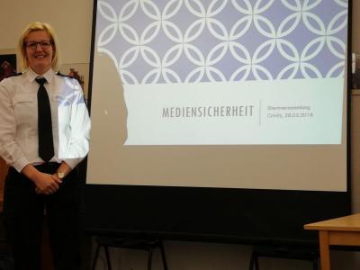 """Foto zur Meldung: Thematische Elternversammlung """"Kinder sicher im Netz"""""""
