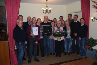Die geehrten Mitglieder mit unserem neuen Ehremitglied Anne Hinz  (mit Blumenstrauß)