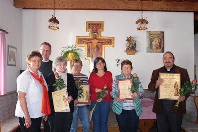 Foto zur Meldung: Rückblick und Ausblick beim Frauen- und Mütterverein – 14 treue Mitglieder geehrt und 4 zu Grabe getragen