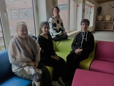 Foto zur Meldung: Die SV kauft ein Sofa für die Pausenhalle