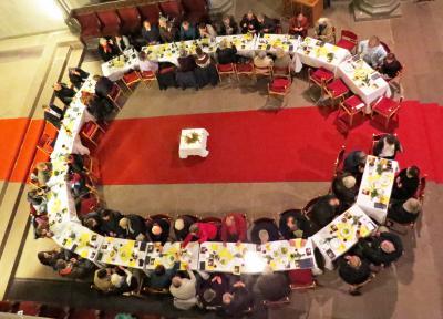 Tischabendmahl am Gründonnerstag Foto: K. Ivory
