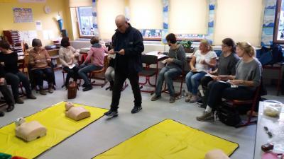 Foto zur Meldung: Erste Hilfe Kurs an Grundschule Miesau