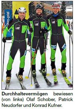 Vorschaubild zur Meldung: Skibergsteiger-Trio kämpft sich nach oben
