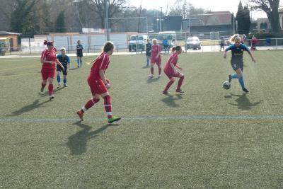 Foto zur Meldung: Fußball: +++Pokalaus für ESV Damen+++