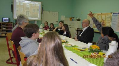 Vorschaubild zur Meldung: Hoher Besuch in der Grundschule Eilenburg-Ost
