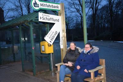 Foto zur Meldung: Nordhackstedt macht mit - Mitfahrerbank & E-Mobilität